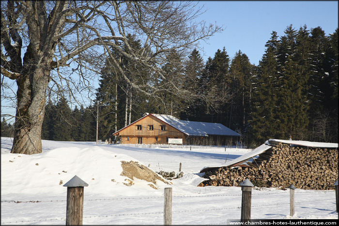 photo_hiver_chalet_doubs